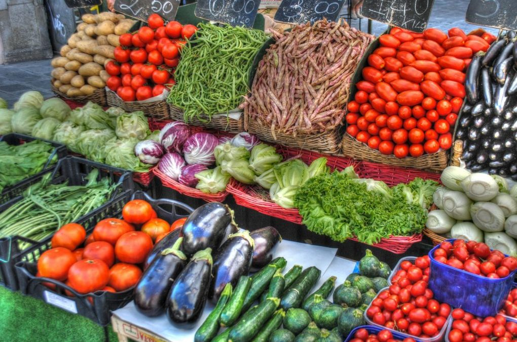 Mobile Produce And Farmers Markets Encourages Healthy Eating In Low Income Areas