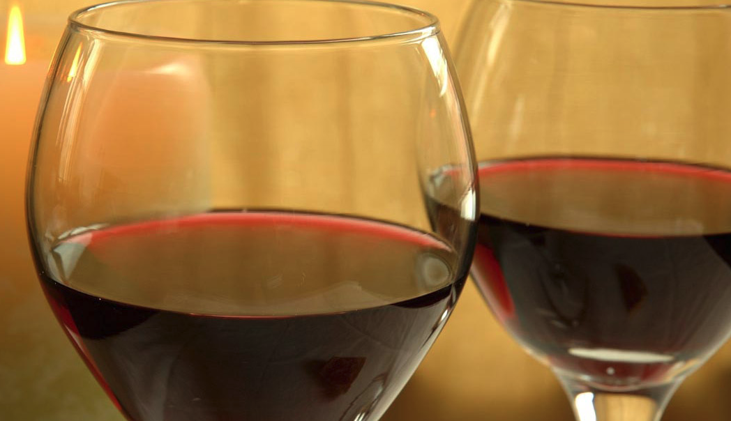 Red wine and dealcoholized red wine can defeat oral bacteria