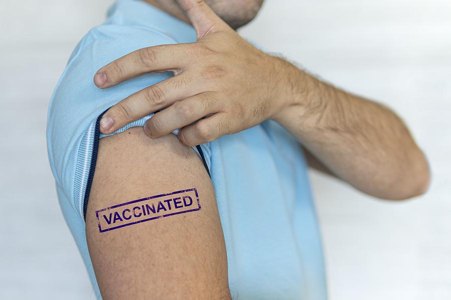 Immunization expert: 'Unvaccinated people are not dangerous; vaccinated people are dangerous for others'