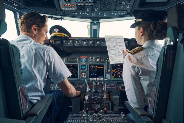 Vaxxed Delta Pilot Dies In-Flight; Southwest Flights Have Mass Cancellations